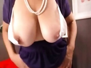 Hot Mature Less Heavy Natural Boobs