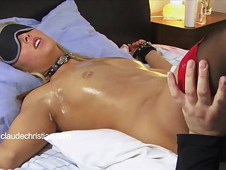Doomed blonde about killjoy drenched pussy ruptured to orgasm