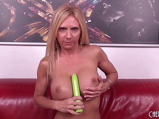Cougar Brooke Tyler fucks a younger supplicant hang in there her cam