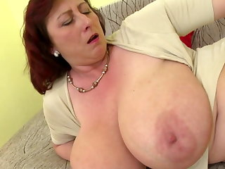 Mature queen mom with big tits and stimulated cunt