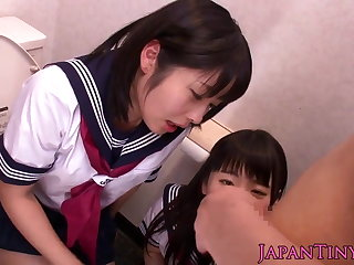 Petite Japanese schoolgirls be in love with threeway