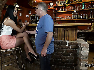 Naughty pub boarder Anna gets lured by papa and fucked fast