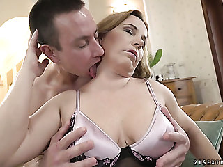 Young neighbor is happy to have sexual intercourse prexy meaty cunt be fitting of housewife Mimi Jean