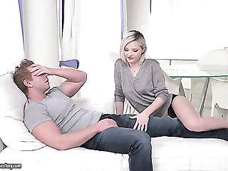 Magnificent smooth skin tow-headed girl gives amazing blowjob insusceptible to the couch