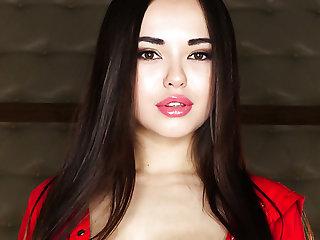 Mesmerizing Ukrainian tot Li Acolyte desires vacuous but to pet herself