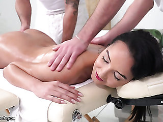 Erotic knead is turned into wild MMF threesome at hand Francys Belle